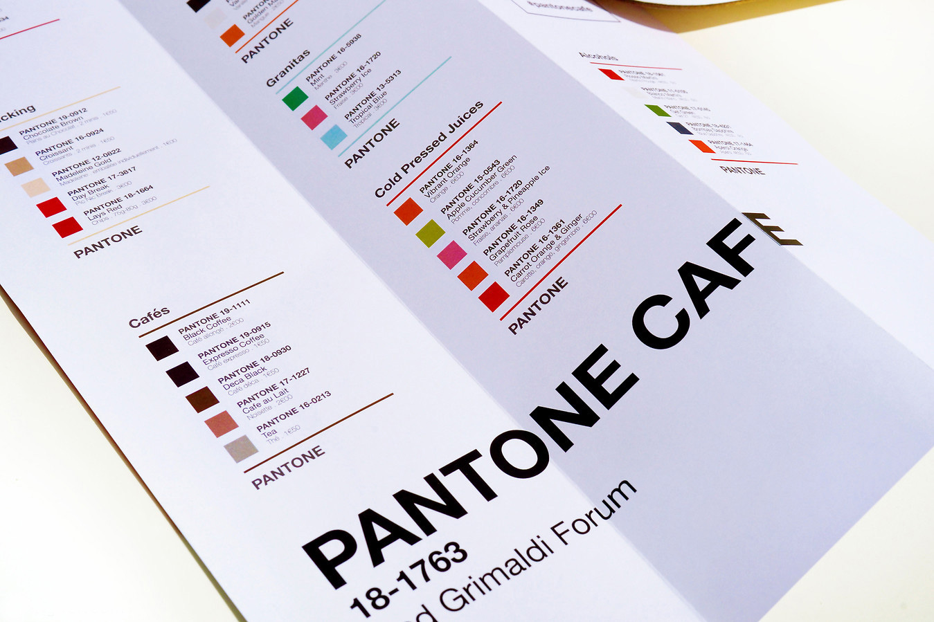 pantone-cafe_05